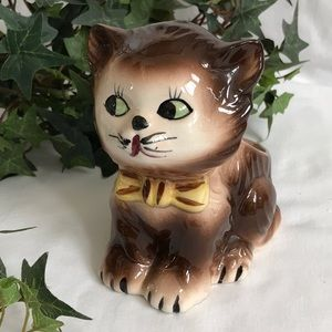 Vintage Clover mark Japan porcelain kitten planter